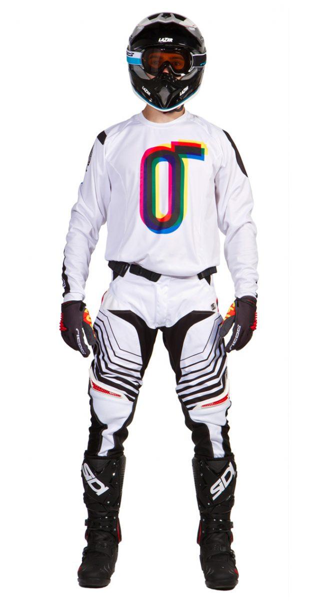 completo-motocross-bianco-ricoo-fronte
